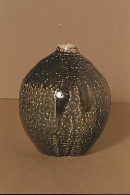 Vase (Black)