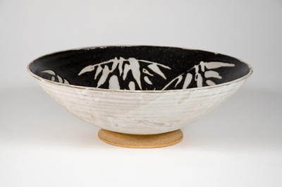 Bowl with bamboo decoration