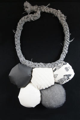 Necklace (fabric); 2010.4.8
